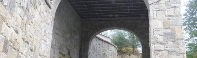 Arch Stone 17